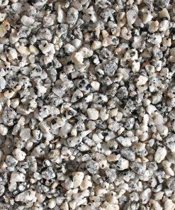 granite concassé blanc gris