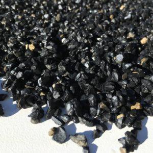 paillage gravier noir