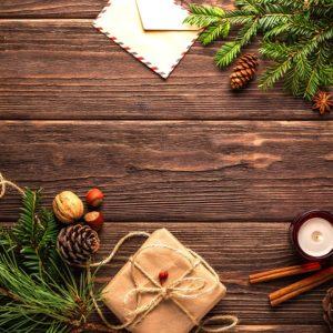 On prépare les décors de Noël